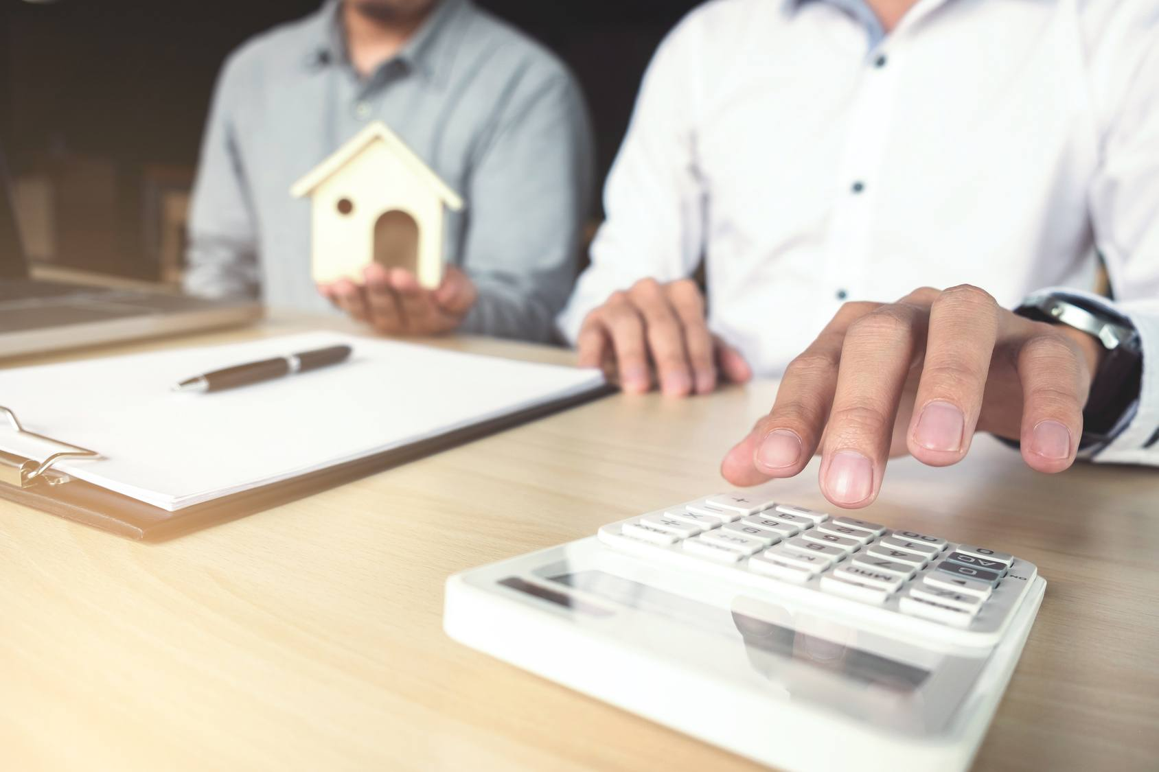 Calculating how much homeowners insurance you need