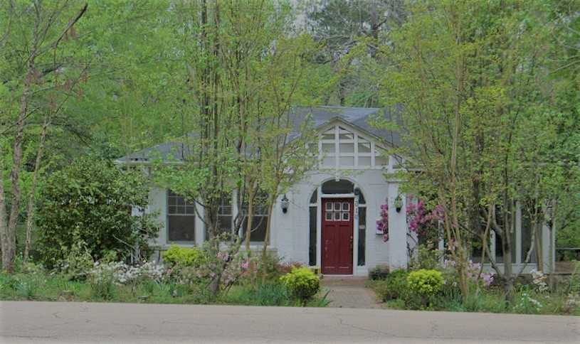 mississippi home in wooded area